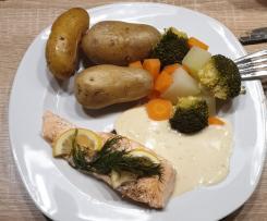 Zartes Lachsfilet in feinster Kräuter-Senf-Sauce