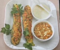Zucchini mit Paprika-Hack-Füllung