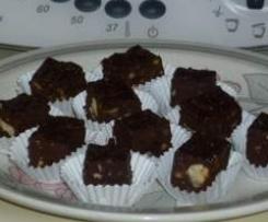 Schokoladen-Konfekt mit Trockenfrüchten und Nüssen nach Johann Lafer