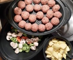 Klopse mit Gemüse Kartoffel oder reis...