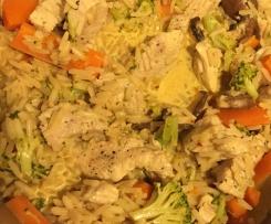 Putencurry mit Reis und Gemüse