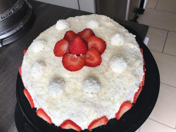 Erdbeer Raffaello Torte Von Katharinacivilla Ein Thermomix Rezept