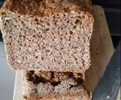 Roggen-Weizen-Brot mit Sauerteig und Balsamicoessig
