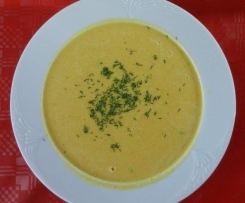 Selleriecreme Suppe mit Blätterteigstangen
