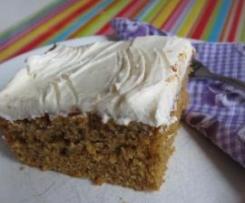 Variation von Carrot Cake mit Cream Cheese-Guss, fettarm und saftig