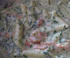 Penne in Gorgonzola-Spinat-Soße