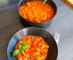 Hähnchentopf mit Paprika und Schupfnudeln