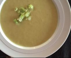Kartoffel-Lauch-Suppe mit Kokosmilch