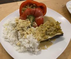 gefüllte Paprika mit Currysauce - vegan