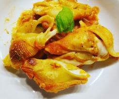 Ricotta-Conchiglioni mit Tomatensauce