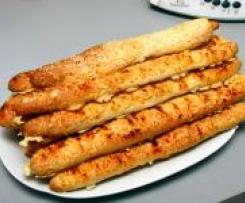 Variation von feine Käsestangen als kleine Dinkelbrötchen mit Sämereien