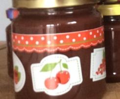 Variation von Erdbeermarmelade mit Schokolade und Chili