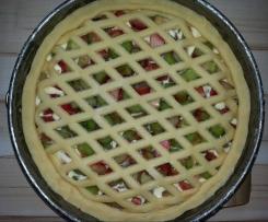 Gedeckter Rhabarberkuchen mit Quark