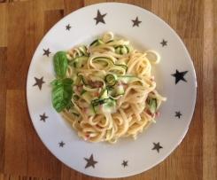 HPF - Carbonara Soße mit Zucchini-Streifen