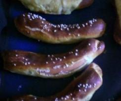 Wiener in Brezenteig