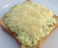 Spargelcreme-Toast überbacken