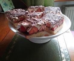 Erdbeer-Stracciatella -Schnitten