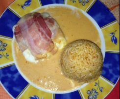 Mozzarella gefüllt mit Reis und Tomaten-Sahne-Soße