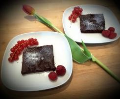 vegane eiweißreiche Brownies mit Kirschen