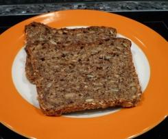 Vollkorn-Dinkelbrot (mit Buchweizen) abgewandelt aus keinfastfood.de/vollkornbrot-aus-dinkelmehl