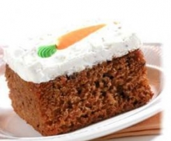 Carrot Cake with Cream cheese (Karottenkuchen mit Frischkäse Belag)