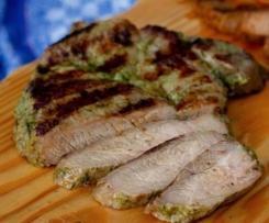 Grüne und rote Grillmarinade für Schweinenacken