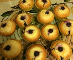 Blaubeer-Muffins mit Vanilleguss