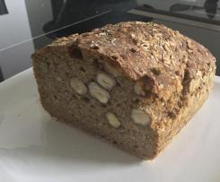 Vollkorn Haselnuss Brot