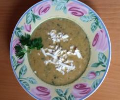 Reissupppe mit Zucchini und Feta (vegetarisch)