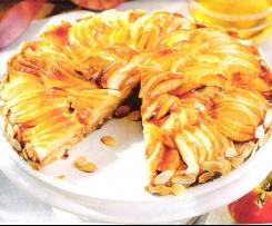 Apfel-Amaretti-Kuchen mit Knusperboden und Quittengelee