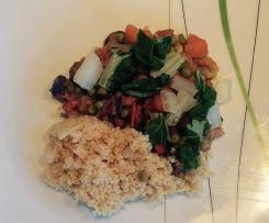 Gemüse-Curry mit Pac-Choi, Shitake-Pilzen und CousCous