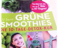 Grüner Beeren-Smoothie (Detox - 1.Tag)
