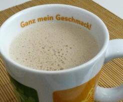 Cappuccino mit Caro-Kaffee und Schokolade