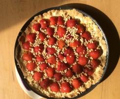 Erdbeertarte mit Orangenschaum und Mandelkrokant