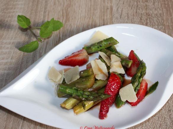Sommerküche Thermomix : Grüner spargel erdbeersalat von oma wetterwachs. ein thermomix