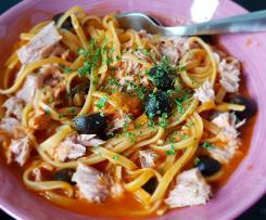 Pasta mit Oliven und Thunfisch - wie beim Italiener