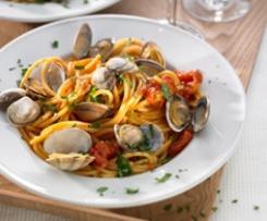 Spaghetti mit Muscheln / Spaghettis with clams (Spaghettis aux palourdes)