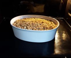 Crumble mit Pflaumen, Äpfeln und Haferflocken-Nuss-Streuseln VEGAN
