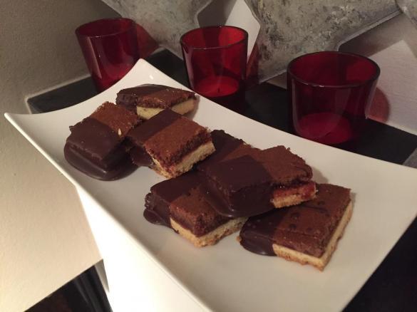 Weihnachtsplätzchen Mit Schokolade.Mandel Schoko Würfel Weihnachtsplätzchen