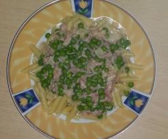 Schinkensoße mit Maccaronelli (oder einfach Nudeln)