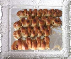 Würstchen-Partyähre (Variation von Pizza-Brot-Zopf (Partyähre aus Finessen 1/2011))