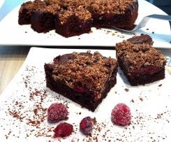 Schoko-Himbeer-Kuchen mit Mandel-Kokos-Streuseln (glutenfrei & Haushaltszuckerfrei)