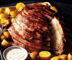 Überbackener Blumenkohl mit Ofenkartoffeln und Senfsauce
