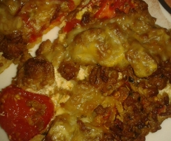 Hackfleisch-Schmand-Pizza