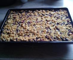Pflaumenkuchen mit Streuseln oder Apfelkuchen