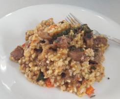 Getreidetopf mit Gemüse und Fleisch