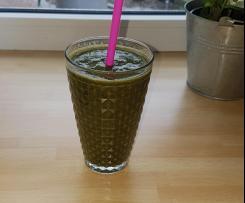 Grüner Smoothie: Banane, Himbeere