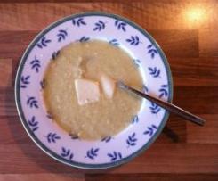 Fenchelsuppe mit Lauch, Staudensellerie und Parmesan