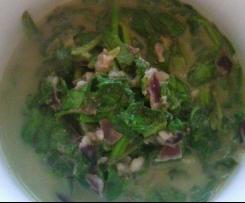 Spinat vegan mit Mandelmilch und etwas Nuss - vegan - veggie - gesund - low fat - low carb