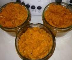Karottenaufstrich/dip -mit (frischen) Kräutern